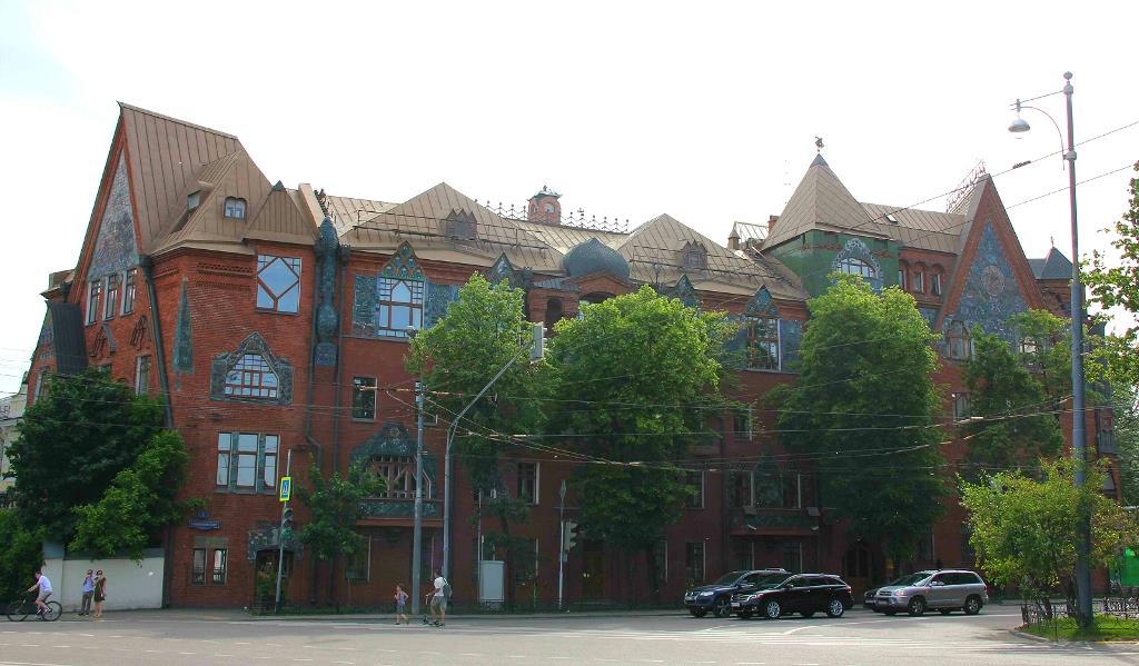 Дом Перцовой. Сказочный терем в центре Москвы